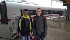 Zugfahrt mit südafrikanischem Schüler
